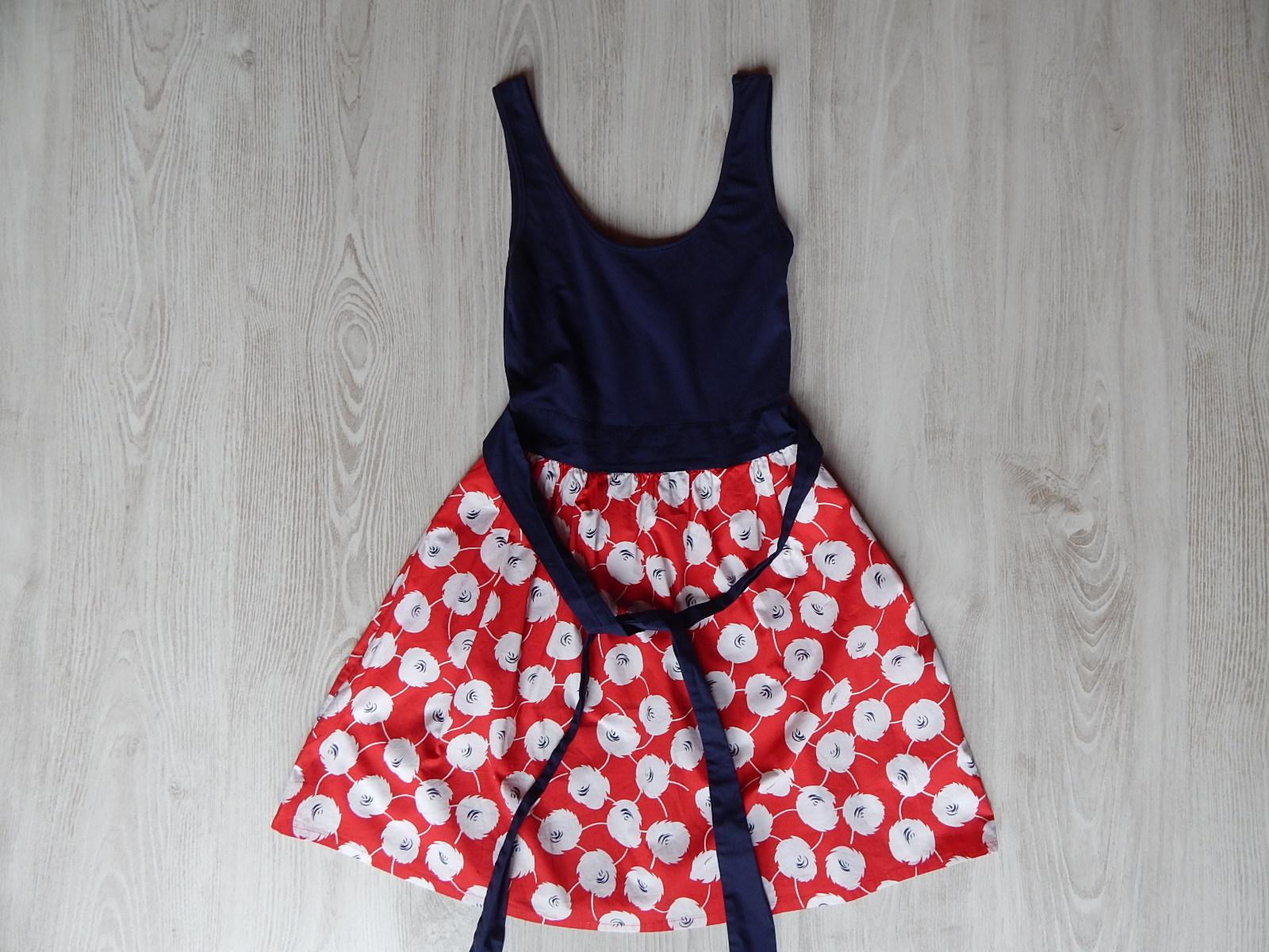 Termékek · Lány ruhák · 158-164 (13-14 év) · Vidám d218c75f4e
