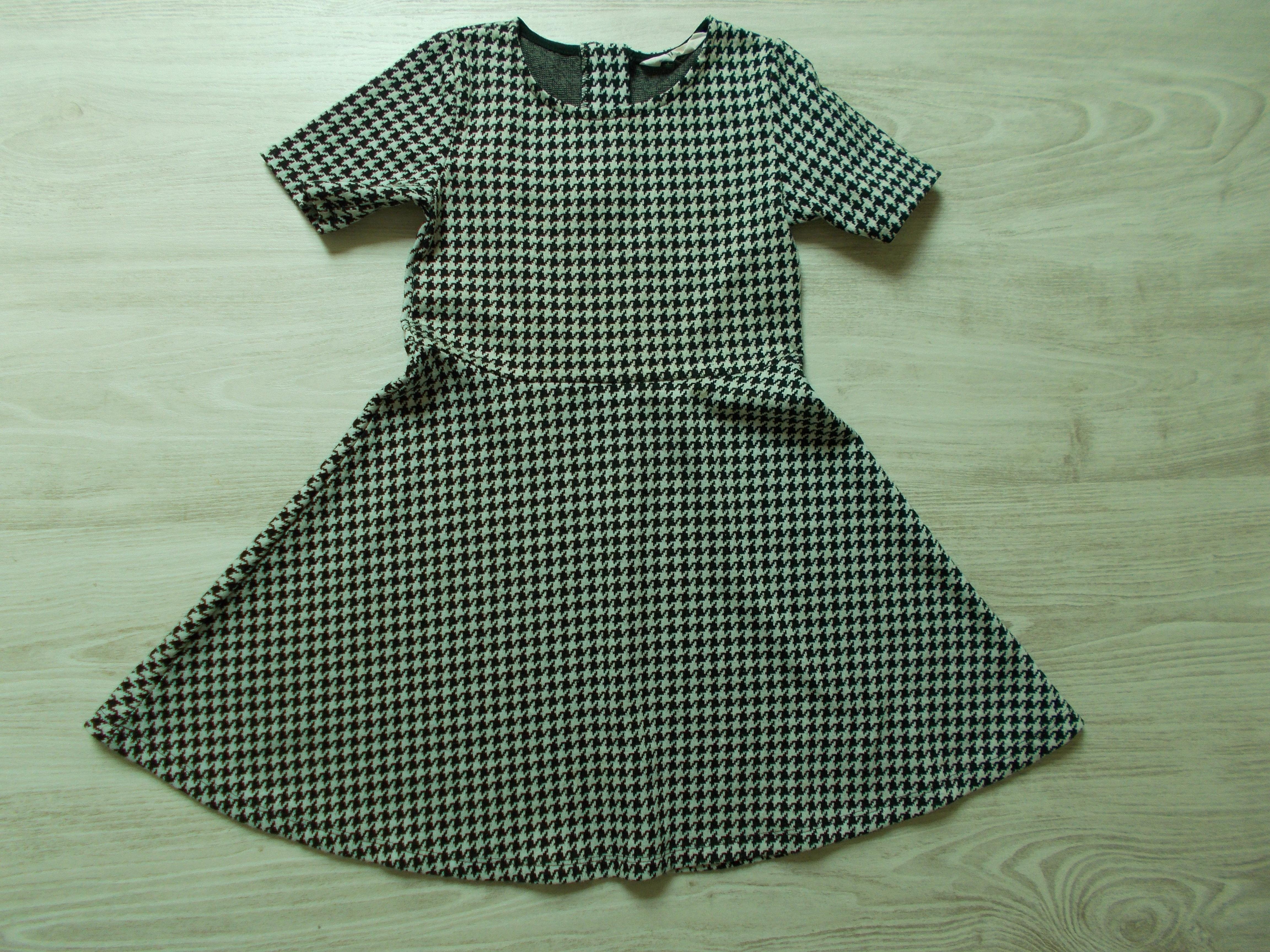 Mintás ruha  122 (7 év)   Lány ruhák     Lótusz Gyerekruha Webshop 3507aa821a