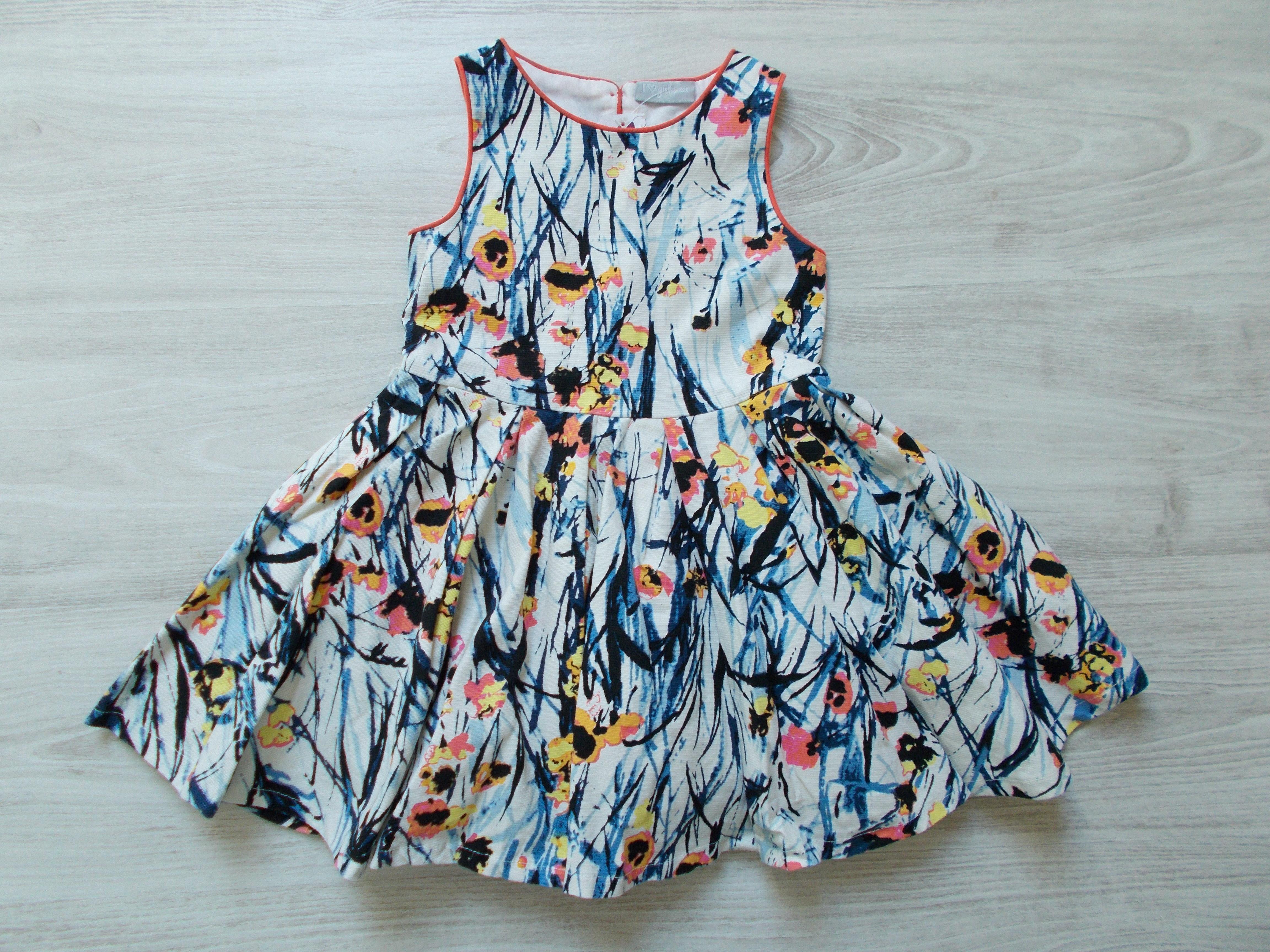 Gyönyörű mintás ruha  104 (4 év)   Lány ruhák     Lótusz Gyerekruha ... a601379904